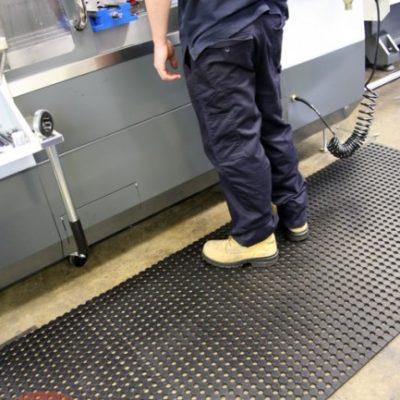 Mata Unimat - gumowy dywanik, mata z drenażem
